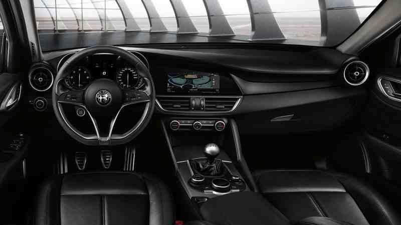 السيارة-الفا-روميو-جوليا-alfa-romeo-giulia-3