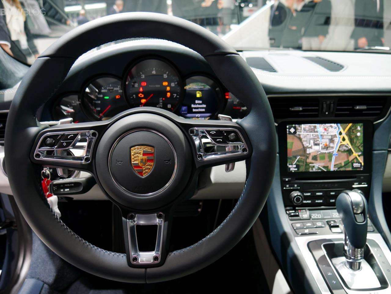2017-Porsche-911-Turbo-images-20