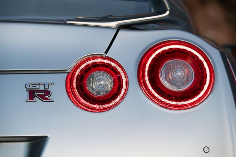 نيسان GT-R من الخلف