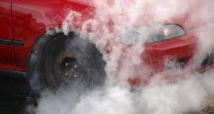 أسباب أرتفاع درجة حرارة السيارة عند الوقوف