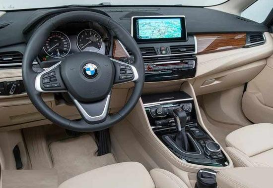 سيارة بي إم دبليو 218i 2019 مميزات وأسعار وعيوب ومواصفات
