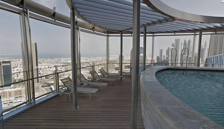 مسبح برج خليفة