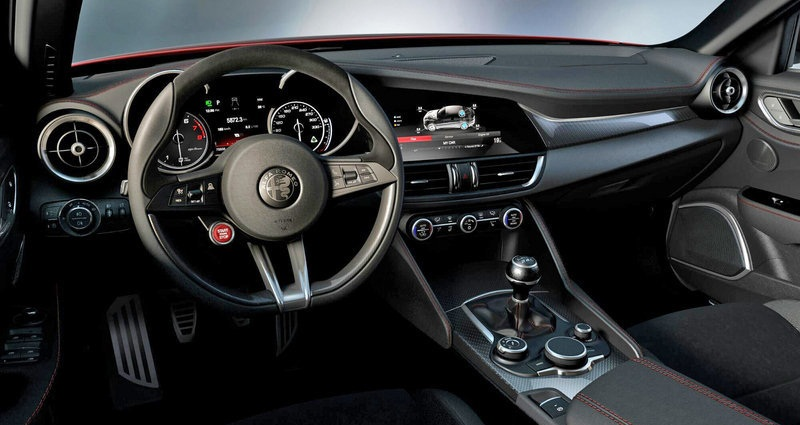 Interior-Alfa-Romeo-Giulia-2016