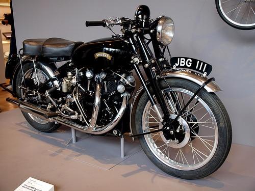 4. ليجاندري بريتيش فينتاج بلاك - Legendary British Vintage Black