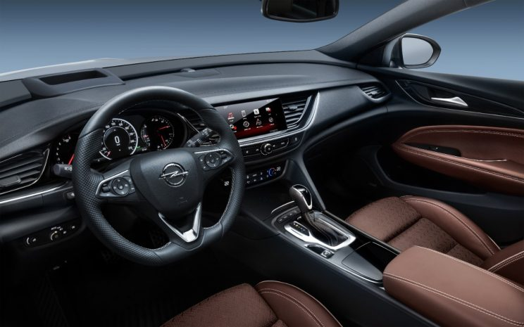 Opel-Insignia-304064-744x465