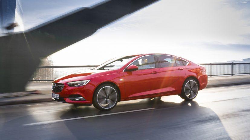 Opel-Insignia-Grand-Sport-305536-827x465