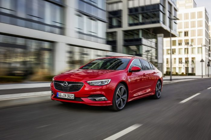 Opel-Insignia-Grand-Sport-4x4-305743-698x465