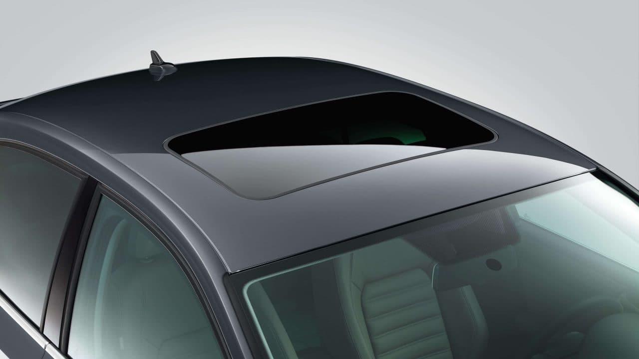 مميزات سقف السيارة البانورامي وصيانة فتحة السقف